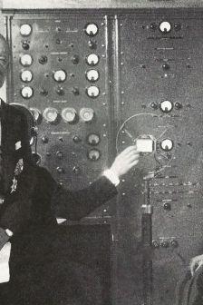 marconi_inaugura_la_radio_vaticana_alla_presenza_di_pio_xi_1931