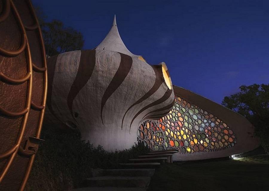 02-Nautilus House in New Mexico