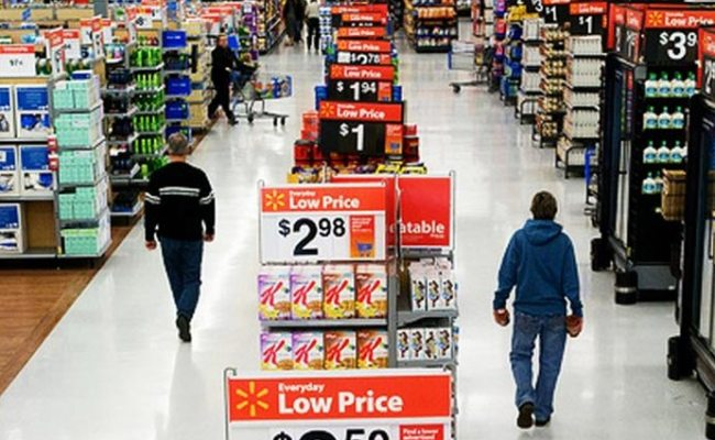 10 Ways Supermarkets Trick You Into Spending More