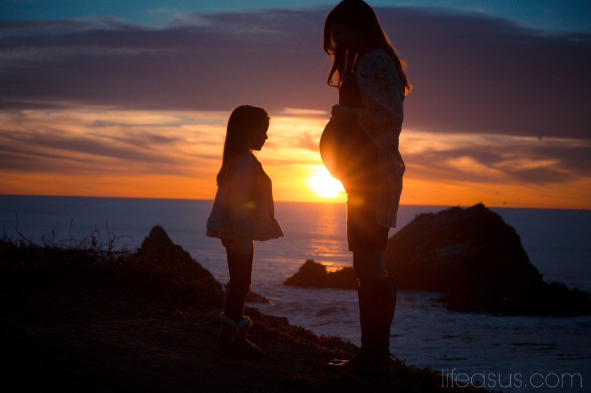 Stunning sunset and evening maternity photo shoot. Photography by http://www.scotneiman.com (lifeasus.com) #maternityphotos #maternityphotoshoot #pregnancyphotos #pregnancyphotoshoot #pregnant #babybump #familyphotos #familyphotoshoot #photography #sunset