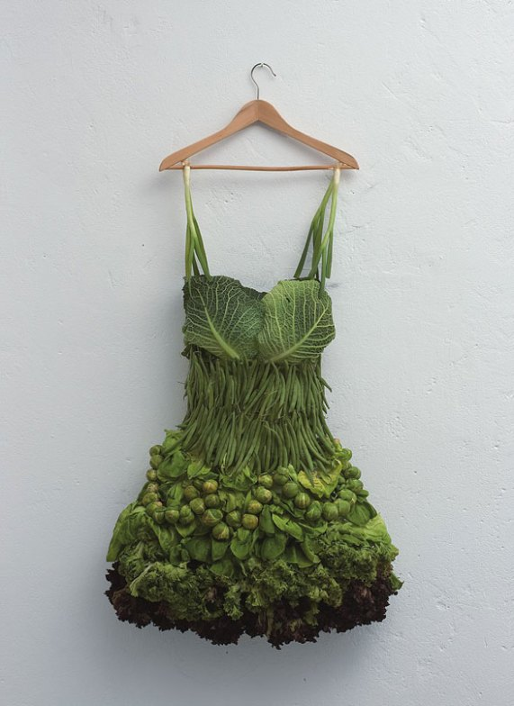 vegetable-dress-art