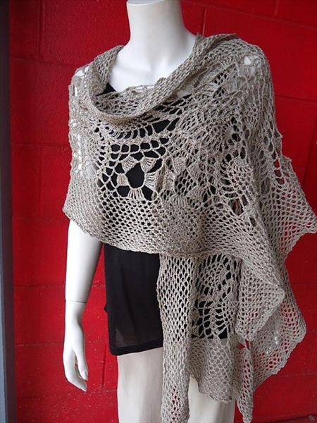 Crochet A Shawl Easy Pattern : Easy Crochet Shawl Patterns and Designs - Life Chilli