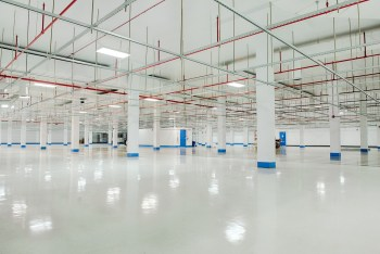 How Startups Can Save Money by Leasing Space in a Data Center