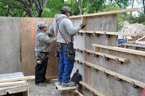 setting concrete formwork brackets