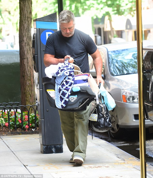 Alec Baldwin doing some heavy lifting — Source: Daily Mail