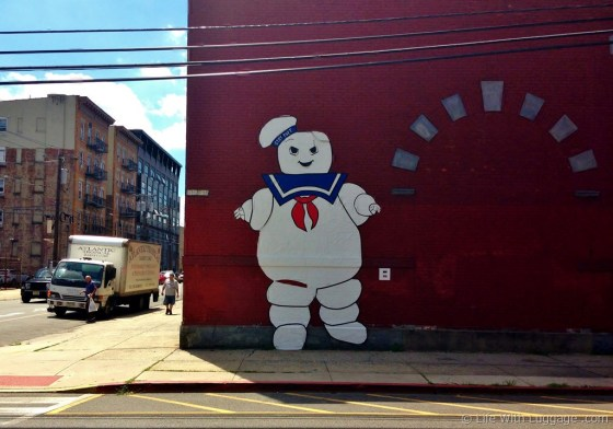 stay-puft-marshmallow-man-street-art.jpg