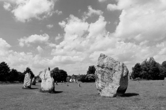 Avebury-Stone-Circle-black-and-white.jpg