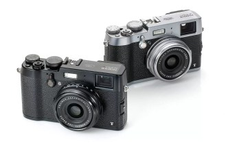 Fuji X100T black and silver finishes