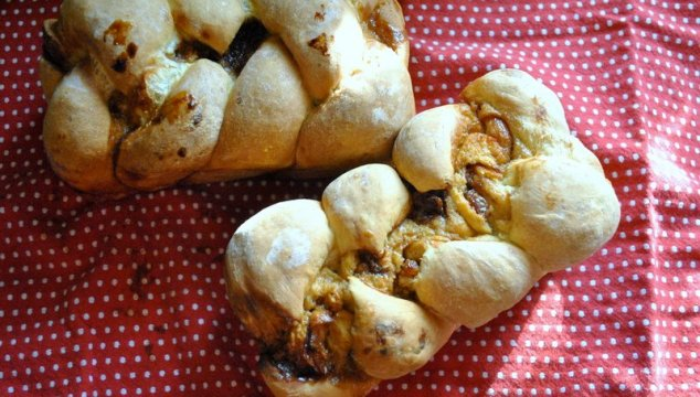 Thankful, Preparing, & Cinnamon Roll Braided Bread.