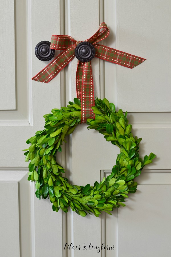 boxwood wreath with plaid / Lilacs and Longhorns