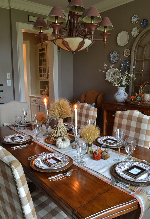 thanksgiving-table-with-buffalo-check-chairs-spode-delamere-dishes