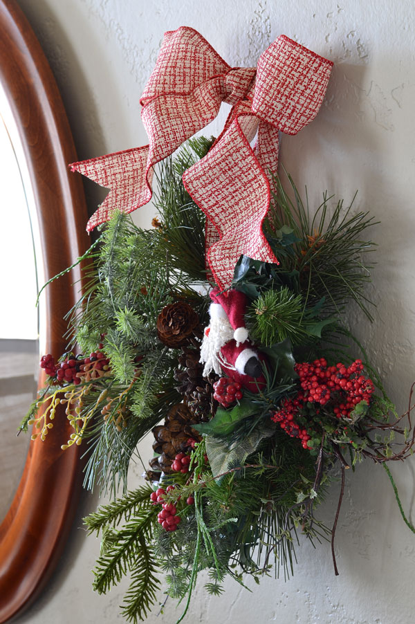 wreath-with-santa_how-to-make-a-bow