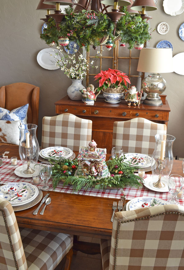 christmas-tablescape-blue-and-white-dishes