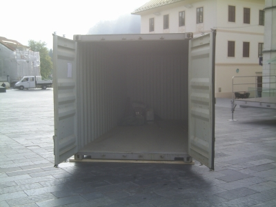 container_empty.jpg
