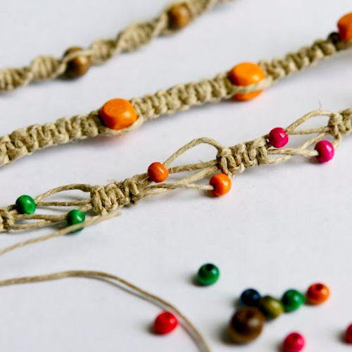 Beaded Hemp Bracelet (and 15 tutorials to add beads to friendship