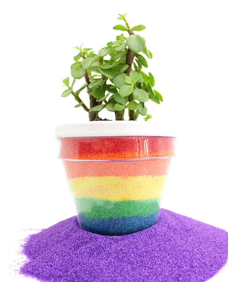 How to make colorful sand art planters