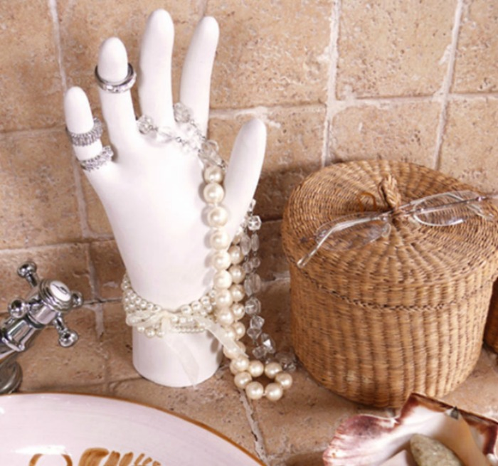 jewelry-organization-glove