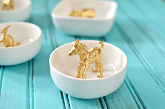 gold-zebra-ring-dish