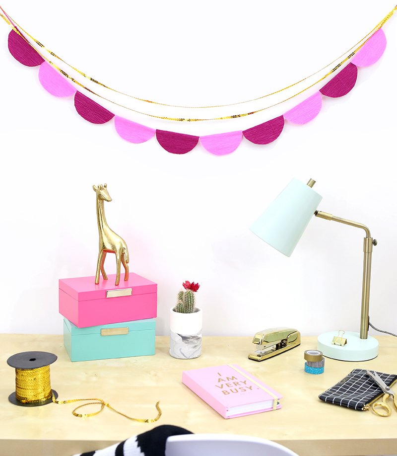DIY Scalloped Crepe Paper Garland