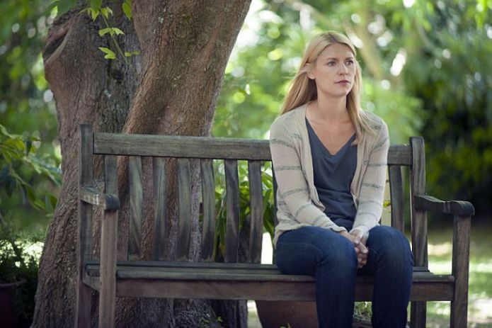 Homeland 412; Carrie on a bench
