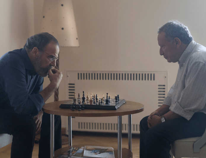 Homeland, All About Allison, Saul Berenson plays chess