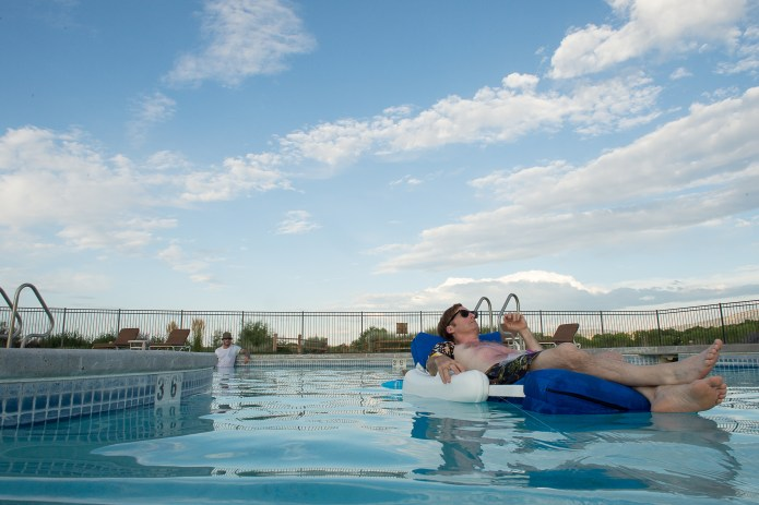 """Better Call Saul """"Switch"""" -- Saul in the pool"""