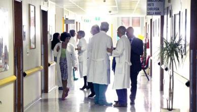 05042011 savona reparto di chirurgia della mano dell'ospedale san paolo - i primari all'uscita della riunione con flavio neirotti