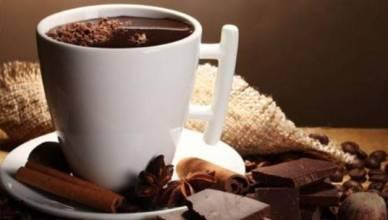 Cioccolata-calda-fatta-in-casa-la-ricetta