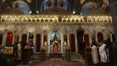 Christians celebrate Christmas at al-Zaitoun Church