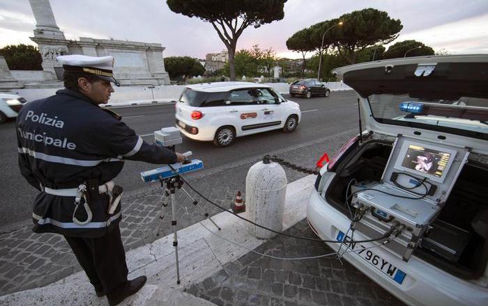 A Roma stretta contro alta velocità, autovelox a tappeto
