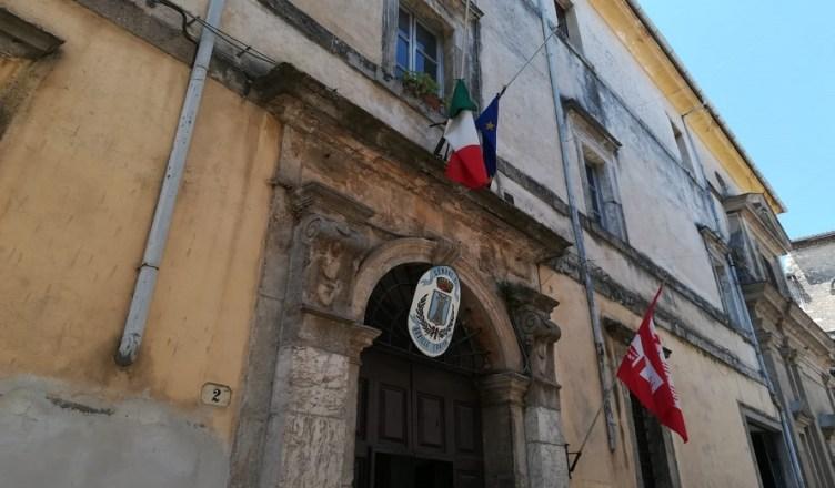 Boville comune bandiera mezzasta