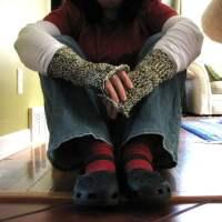 Loom-knitted fingerless mitts