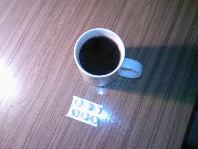 Kaffee und Asperin