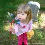 Wordless Wednesday: Little Grave Robber