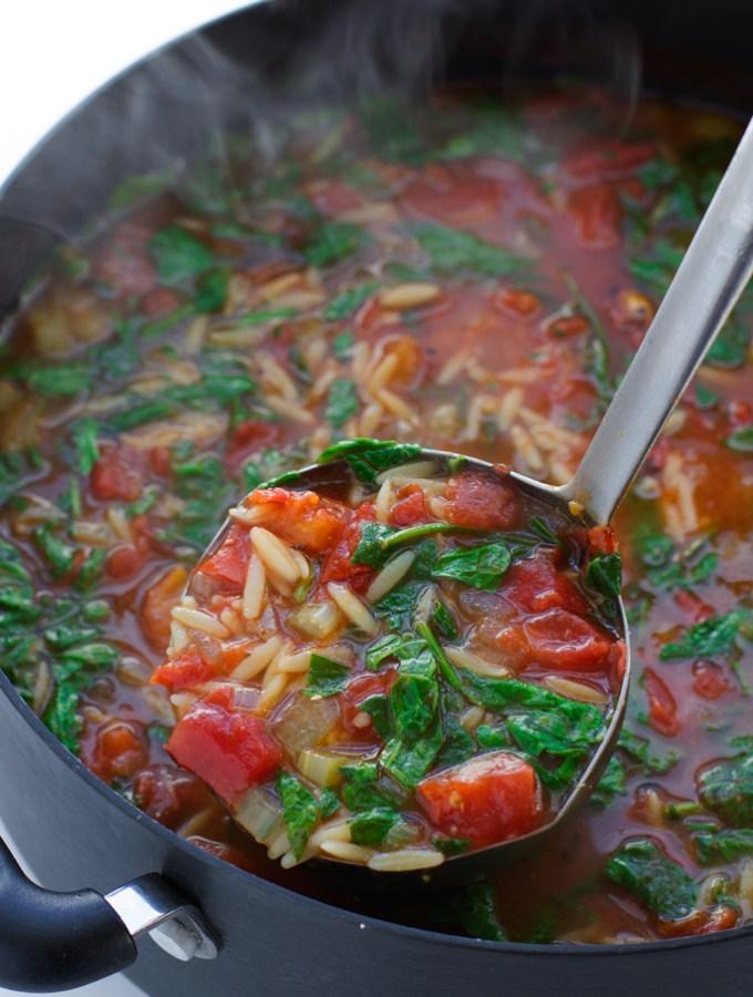 Italian-Roasted-Garlic-Spinach-Tomato-Soup-3
