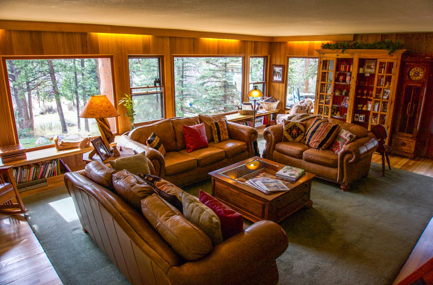 Mountain Retreat At The Romantic Riversong Bed And