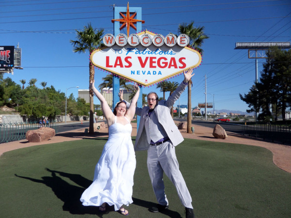 DIY Vegas Elopement // Little Vegas Wedding