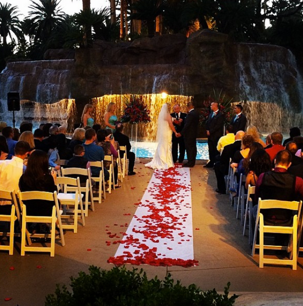 Mirage Pool Wedding | Little Vegas Wedding Venue Guide