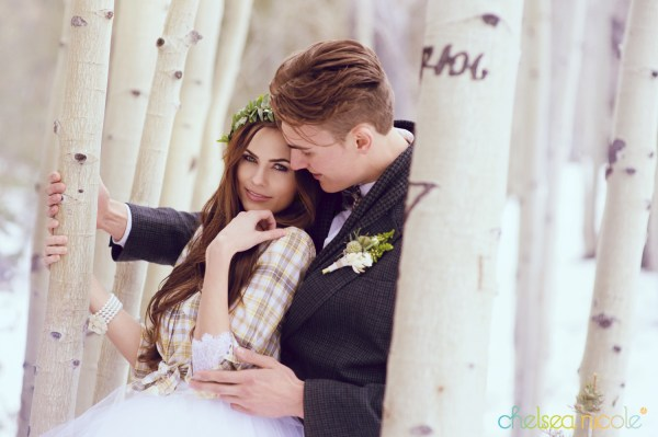 Winter Wedding Inspiration in Las Vegas | Chelsea Nicole Photography | Featured on Little Vegas Wedding
