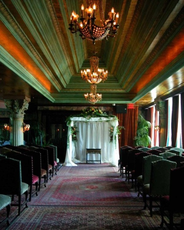 Ultimate vegas wedding venue guide house of blues and for Las vegas mansion wedding venues