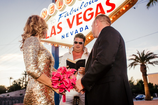 elvis wedding vegas: