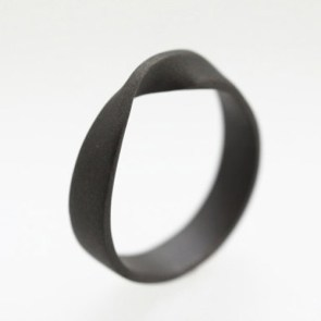 Mobius Ring | 28 Unique Wedding Rings for Men
