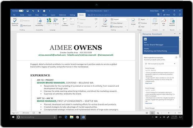 How LinkedIn\u0027s Resume Assistant can help you build better CV in - how to create a resume in microsoft word