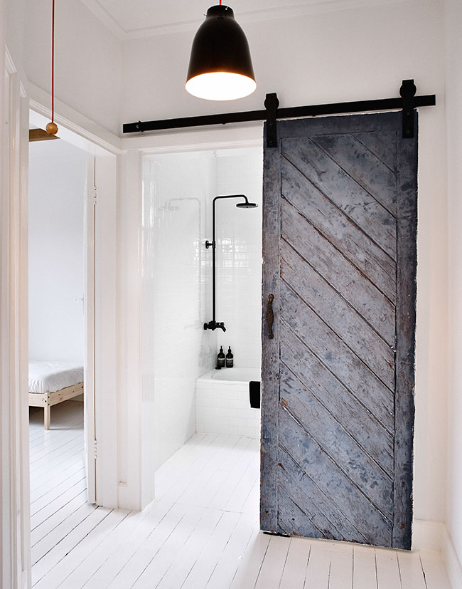 3 reasons why sliding barn doors are your new best friend for House friend door