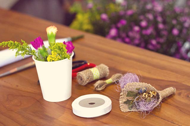 event-LivingLoving-Class-Play-with-flowers-august-2014-3