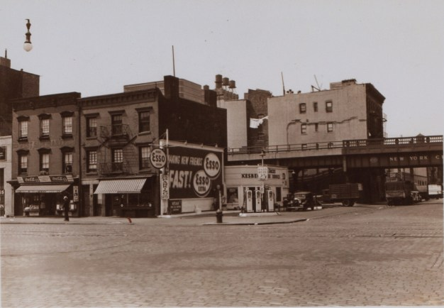 Esso Station on West 29th Street, 10th Avenue. http://www.oldnyc.org/#710521f-a http://digitalcollections.nypl.org/items/510d47dc-f2c6-a3d9-e040-e00a18064a99