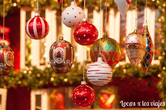 Bolas para el árbol en el Mercado de Navidad de Fránkfurt