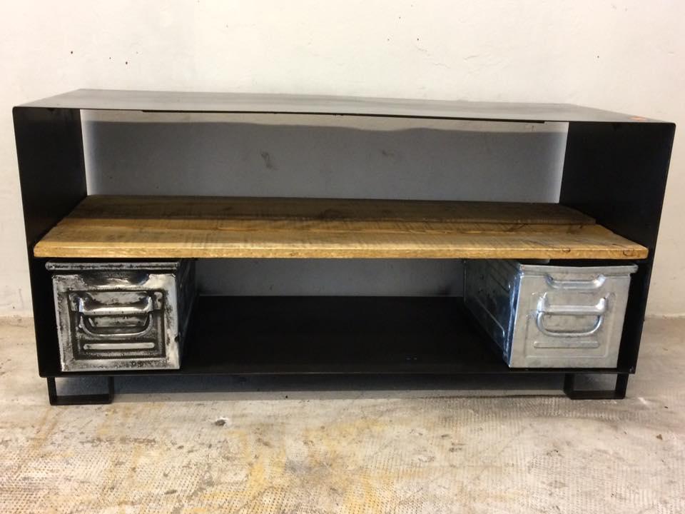 Meuble tv acier industriel