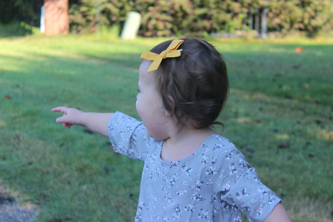 E and L baby bows Friday Favorites
