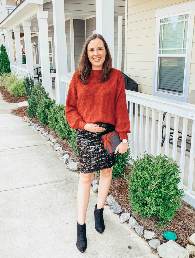 Christmas Outfit Ideas - Maternity and Non-Maternity Options - Christmas Outfit Ideas - Logan Can